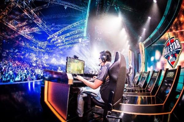 Turnamen eSports Hadiah Terbesar